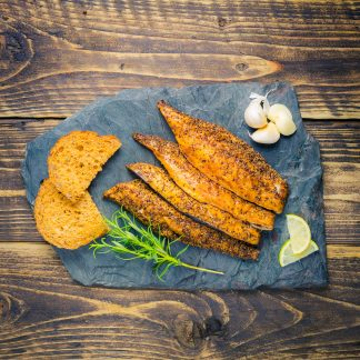 smoked and peppered mackerel fillets with brown bread
